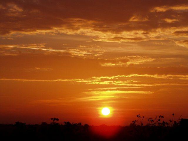 Tak jsem vybral pár fotek ze složek obloha a západ slunce, o
